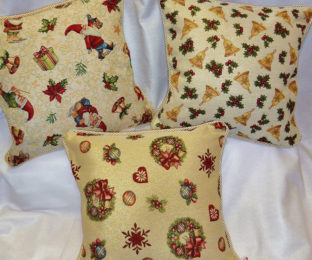 """Новогодние гобеленовые наволочки с люрексом """"Рождественские мотивы"""" в ассортименте"""