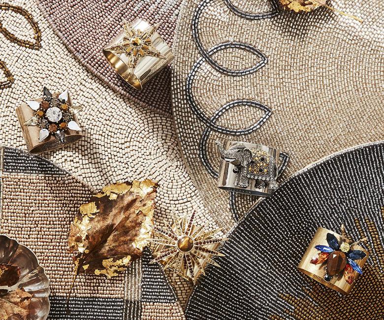 """Набор из двух металлических колец для салфеток с разноцветным декором  """"Звезда торжества, цвет золото"""" Joanna Buchanan"""