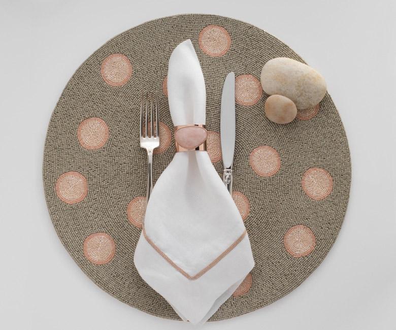 """Набор из двух металлических колец для салфеток с разноцветным декором  """"Перстень, цвет розовый кварц"""" Joanna Buchanan"""