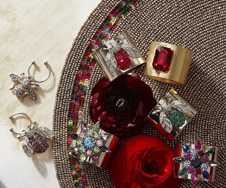 """Набор из двух металлических колец для салфеток с разноцветным декором  """"Драгоценный камень, цвет золото, рубиновый"""" Joanna Buchanan"""