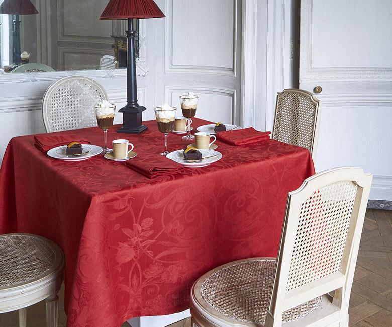 """Льняная красная круглая скатерть из длинных волокон """"Tivoli"""" диаметр 175 см Le Jacquard Francais (Франция)"""