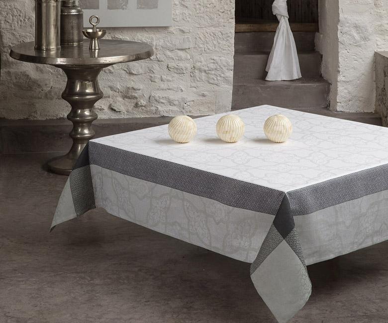 """Льняная белая прямоугольная скатерть из длинных волокон """"Pondich?ry"""" 175x320 см Le Jacquard Francais (Франция)"""